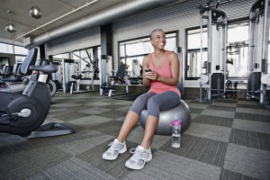 GI152402231 TF-GW1507 woman in gym